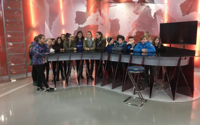 Učenci novinarskega krožka so obiskali POP TV in Radio 1